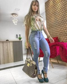 Dress to impress: 30 ideas to wear jeans Superenge Jeans, Sexy Jeans, Skinny Jeans, Sexy Cowgirl Outfits, Hot Outfits, Look Fashion, Girl Fashion, Fashion Outfits, Womens Fashion