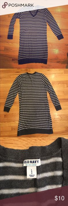 Striped sweater dress Old Navy size large This is a lightweight sweater dress that does not itch at all (cotton/polyester blend). Worn for a season but no holes, pilling, or other signs of wear. Great with tights and boots! Size large. Old Navy Dresses Long Sleeve