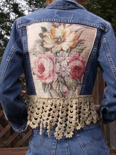 This is definitely one of my favorite upcycled denim jean jackets - LOVE IT!A very feminine upcycled denim jacket edged with a deep crochet trim .Upcycled Vintage Levi Denim Jacket, embellished with vintage Barkcloth and antique crochet Lace, by truevinta Diy Clothing, Sewing Clothes, Revamp Clothes, Sewing Jeans, Refashioned Clothing, Diy Jeans, Upcycled Vintage, Vintage Denim, Denim Ideas