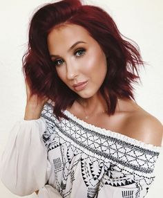 Jaclyn Hill. I want her hair color😍