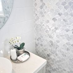 Those tiles have deemed me close to death (in a good way!) Totally heart-stopping stuff here from metriconhomes once again. Can I live in this bathroom I dont even need the entire display home. The bathroom is enough. Bathroom Styling, Bathroom Interior Design, Interior Design Living Room, Bathroom Renos, Master Bathroom, Bathroom Ideas, Bathroom Feature Wall, Bathroom Designs, White Bathroom