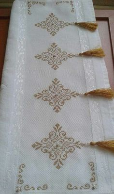 Cross Stitch Geometric, Cross Stitch Borders, Cross Stitch Flowers, Cross Stitch Designs, Cross Stitching, Cross Stitch Patterns, Hardanger Embroidery, Ribbon Embroidery, Cross Stitch Embroidery