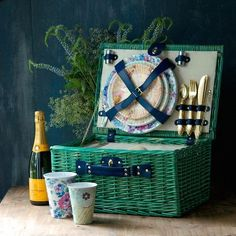 "This gorgeous teal-colored willow picnic basket has all the room to store utensils, plates, and all your fancy foods to dine al fresco! 18""x13.75"" Insulated int"