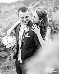 Letzte Woche hat meine Hochzeitssaion begonnen und es war einfach perfekt!!!  Tolles Brautpaar wahnsinnig gut gelaunte und liebevolle Gäste viel Emotionen geniale Location und perfektes Wetter! Hätte nicht besser sein können  Danke euch beiden!! #wedding2017 #weddingday #weddingphotography #lovemyjob #awesomeplace