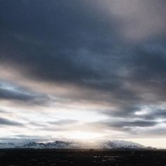 Sun is setting over here in Salt Lake City as we're gearing up for our first night of sponsor dinners for AltSummit. I'm headed to @finca_slc with @minted  and the theme is black and white. How could I not be excited about a theme like that right? #AltWinter2016 #AltSummit #altsummitwinter2016 #SLC #sunset #clouds #SaltLakeCity #CopyCatChic