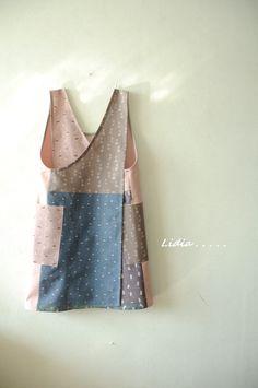 엉덩이 없다 앞치마를 만들 수 있는 패키지입니다. 패키지 안에는 앞치마를 만들 수 있는 모든 재료와 상세... Pinafore Dress Pattern, Sewing Crafts, Sewing Projects, Sewing Clothes, Home Textile, Apron, Fashion Dresses, Textiles, My Style