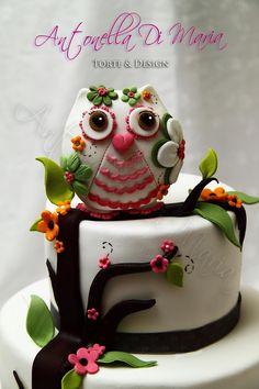 white owl cake