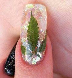 Marijuana leaf acrylic nail art #marijuana #marijuanaart