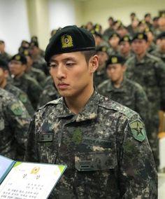 Korean actor Kang Ha Neul is officially a military police officer Korean Military, Military Police, Police Officer, Korean Wave, Korean Star, Asian Actors, Korean Actors, Korean Dramas, Im Siwan