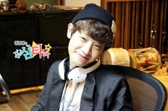 Jung joon young, cute smile :) Act Your Age, Jung Joon Young, Happy Pills, Asian Men, Korean Singer, Korean Actors, Singers, Acting, Clever