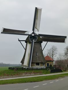 Old Windmills, Wind Power, Amazing Nature, Utility Pole, Scenery, City, Building, Travel, Windmill