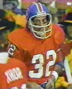 Running back JON KEYWORTH (32)--December 14, 1980