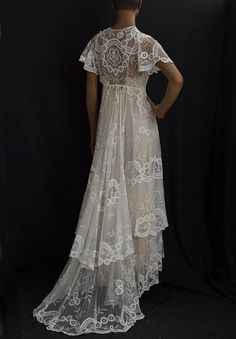 Edwardian Clothing at Vintage Textile: Princess lace wedding dress Vintage Lace Weddings, Vintage Gowns, Vintage Outfits, Vintage Lingerie, Dress Vintage, Edwardian Clothing, Edwardian Fashion, Vintage Fashion, Vintage Clothing