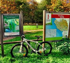 Head to the #LacduGraon in the #Vendee this weekend to enjoy a #bikeride on the well marked, safe #cycling paths around this beautiful lake ... Need a #bike? Contact Kirk at #BikeHireDirect Vendee who can deliver bikes direct to you for FREE! For more information visit link in bio 😀  #DispoVelo #Velo #PaysdelaLoire #SaintVincentSurGraon #vendée #igersvendee #velotourisme #instabike #passionvelo #bicycle #cyclotourisme #paysdelaloiretourisme #hello_france #loves_france #french  #French