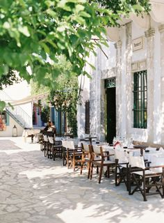 Outdoor Cafe in Kefalonia Greece | photography by http://www.victoriaphippsphotography.co.uk/