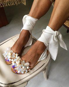 hochzeitsschuhe creme Creamy tie up sandals Hot Shoes, Women's Shoes, Me Too Shoes, Shoe Boots, Shoes Style, Shoes Sneakers, Bridal Shoes, Wedding Shoes, Tie Up Sandals