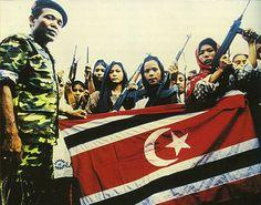 ÇUKUROVA STRATEJİK ARAŞTIRMALAR MERKEZİ: ENDONEZYA''DA TÜRK BAYRAĞI İLE SAVAŞAN BİR ÖRGÜT
