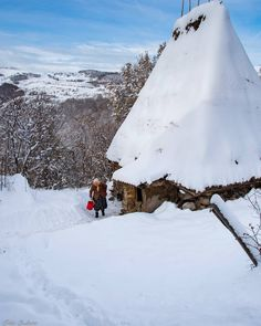 Snowy Day, Folklore, More Photos, Romania, Mountains, Night, Travel, Outdoor, Beautiful