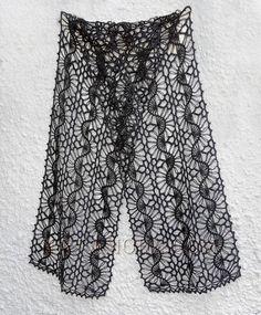Crochet Shawl Crochet shawl, very nice pattern. Maybe I should try hairpin lace again. - Палантин связан на вилке из Hifa kamgarn Huldra, соединение Hifa Alv п/ш. Hairpin Lace Crochet, Hairpin Lace Patterns, Shawl Patterns, Crochet Stitches Patterns, Knit Or Crochet, Crochet Scarves, Crochet Shawl, Crochet Designs, Crochet Clothes