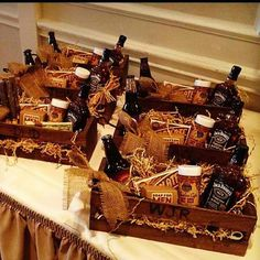 Groomsmen gifts in rugged wooden baskets make for a stylish - and totally manly - touch.