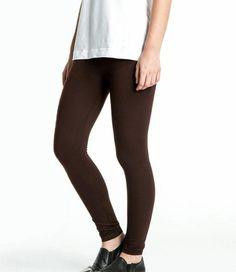 De Rose legging is een donkerbruine, katoenen legging, die je bij alle activiteiten kunt gebruiken. Sporten, stappen, shoppen of werken; met de Rose heb je altijd de perfecte, katoenen enkellegging aan! In diverse kleuren te bestellen bij SOSHIN. Black Jeans, Sport, Rose, Pants, Fashion, Trouser Pants, Moda, Deporte, Pink