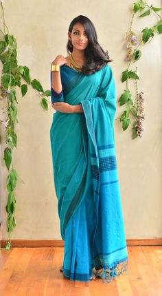 Get the ultimate guide on how to create your own designer saree blouses, with all the tops you have in your closet. Get the latest on saree drapes and new styles. All images belong to their respective owners, contact us for a credit saree Simple Sarees, Trendy Sarees, Saris, Indian Attire, Indian Outfits, Saree Poses, Formal Saree, Saree Blouse Neck Designs, Saree Look