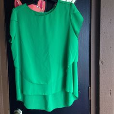Green blouse Cute green blouse. Tag says 5X fits like an XL worn once for too big on me Tops Blouses