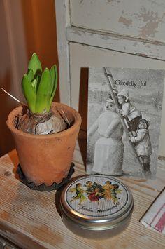 Husmannsplassen i Hidlesundet: Gamle postkort og annen julepynt