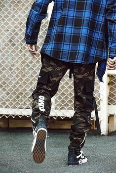 #streetwear#streetstyle#streetfashion#techwear #japanstyle#japanstreetwear#frenchwear #streetwearjaponais #japon #streetwearasiatique #tenshi #tenshigang #stylejaponais #stylederue #frenchstreetwear #style #stylefrancais #stylejaponais #sappe #fashion #habit #techwearfashion#streetwearfrancais #offwhite #designer #supreme #swag #streetwearaddict #pantalon #cargo #pantaloncargo Japanese Pants, Japanese Outfits, Japanese Fashion, Mode Camouflage, Camouflage Fashion, Harem Pants Men, Cargo Pants, Pantalon Streetwear, Streetwear Men