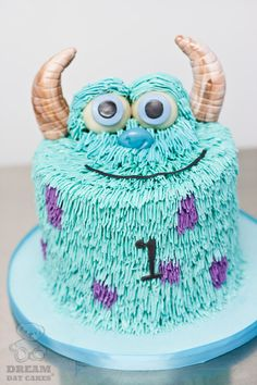 Monsters Inc - Sully cake! Monster Inc Party, Monster Inc Cakes, Monster Birthday Cakes, Fancy Cakes, Cute Cakes, Sully Cake, Disney Cakes, Monsters Inc, Cake Gallery