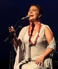 Esta semana tenemos invitada a Carmen Linares para hablarnos de su próximo concierto