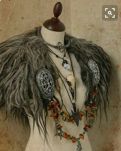 A collar from Vikings age. A collar from Vikings age. The post A collar from Vikings age. appeared first on Kleidung ideen. Viking Cosplay, Viking Garb, Viking Dress, Viking Costume, Valkyrie Costume, Barbarian Costume, Vikings Costume Diy, Viking Wedding Dress, Dryad Costume