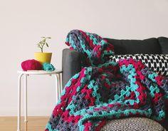Granny Square Chic Blanket: free crochet video tutorial