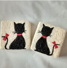 Felted Soap, Textiles, Butterfly Crafts, Air Dry Clay, Felt Crafts, Needle Felting, Wool Felt, Lana, Coin Purse
