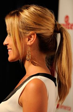 Long ponytail hairstyles cans not only easily the best parties, but you can wear them in many ways. Long Ponytail hairstyles, long hairstyles, especially Prom Ponytail Hairstyles, Prom Hairstyles For Long Hair, My Hairstyle, Down Hairstyles, Updo, Girl Hairstyles, Hairstyle Photos, Teenage Hairstyles, Medium Hairstyles