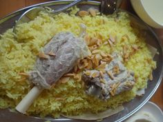 One of my most favourite things about the beautiful country of Jordan was the delectable cuisine. Of course, you've heard of the traditional Mansaf and Maqlubah, but Jordanian food is so much more. Sure Jordanians are known to serve up some amazing meat dishes, but there's no dearth of vegetarian fare either. So take a look at the most sumptuous preparations I experienced on my recent Jordan visit and get instantly transported to foodie paradise.