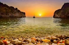MY  SUNRISE...  GREECE !
