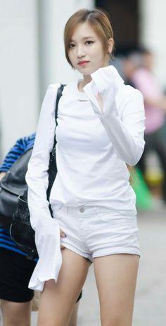 TWICE Mina looks stunning in all white casual oufit photos) South Korean Girls, Korean Girl Groups, Sana Momo, Twice Kpop, Real Model, Myoui Mina, Beautiful Asian Girls, Nayeon, Nice Tops