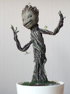 Sculpter creates a dancing groot for his wife's birthday.