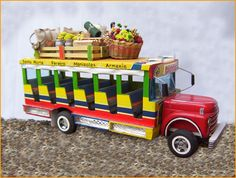 Chiva Colombiana. Brazil Culture, Colombian Art, Bus Art, Miniature Houses, Ants, Miniatures, Birthday Parties, Projects, Handmade