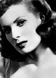 Maureen O'Hara... One of the first women that made me wish I was a redhead.