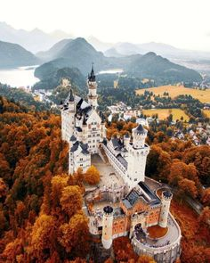 Neuschwanstein Castle – The Most Beautiful Fairytale Castle In Germany You Definitely Have To Visit! Most Beautiful Images, Beautiful Places, Romantic Places, Promenade Des Anglais, France 4, Best Honeymoon Destinations, Travel Destinations, Honeymoon Places, Germany Castles
