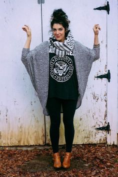 Comfy and casual winter outfit with leggings 50