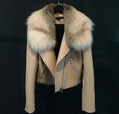 Travel Fashion Girl Winter Jackets 48 Ideas For 2019 Fur Fashion, Fashion Killa, Look Fashion, Fashion Outfits, Womens Fashion, Travel Fashion, Fashion Check, Jackets Fashion, Fashion Weeks