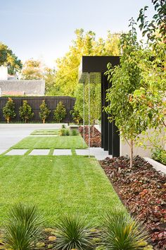 2018 Trending: 15 Garden Designs to Watch for in 2018 | Modern ... on