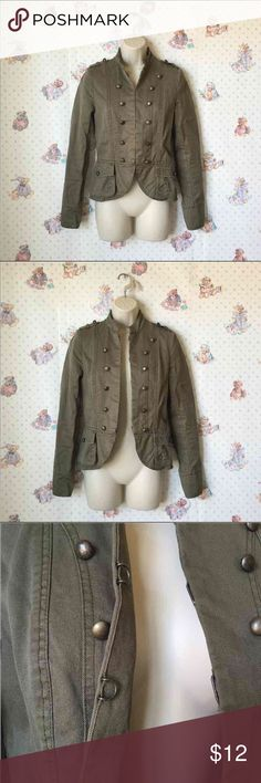 H&M olive army jacket/ blazer H&M olive army jacket/ blazer.  Size 34 (???) I am not sure what size is 34 but it will definitely fit anyone that wear a X-small or Small.  Beautifully crafted and made.  Two pockets with button closures.  Carefully lined with details to reveal a high waisted style.  Hidden closure clips.  Made in Turkey. Yes, Turkey. H&M Jackets & Coats