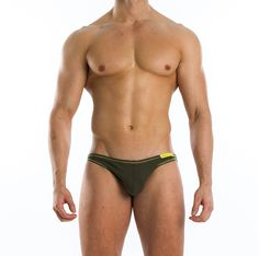Modus Vivendi presents the Flash Super Low Cut Brief. Extremely hot design with thin, covered, elasticated waist and contrasting endings. The perfect underwear to show off your six-pack (and other assets!). Made of pure ribbed cotton 100%.