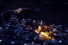 """Alpandeire (Málaga) - Precioso municipio enclavado en el Valle del Genal. Muy recomendable el Hotel La Casa Grande así como el Bar """"Er Tapeo"""", situado en la plaza del municipio. En ambos negocios calidad y precio son un referente. El municipio conserva el trazado árabe. Puedes hacer rutas de senderismo e incluso rutas que comunican con otros municipios del Valle Del Genal. La calidad de su paisaje y su """"paisanaje"""" es inmejorable... No dejéis de visitarlo!!"""