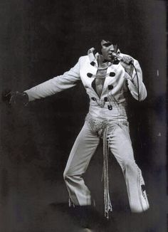 Elvis live at the International Hotel Las Vegas August 12th 1970 (midnight show)