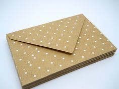 super cute polka dot kraft envelopes | loutinen events on etsy